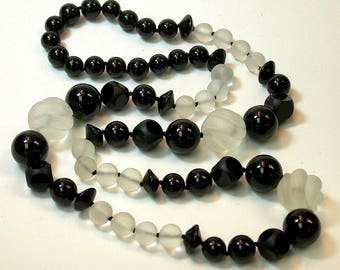 Vintage Black Onyx Carved Bead Hand Knotted Necklace Hand Carved White Snow Quartz Beads