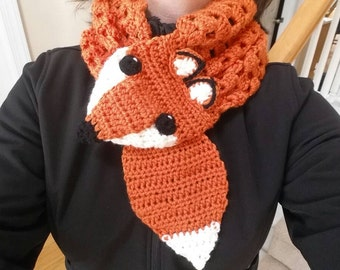 Frisky Fox Keyhole Cowl, Ladies One Size Ready To Ship.  Such a Cute Little Guy!  Also Available to Order In Custom Color and Size.