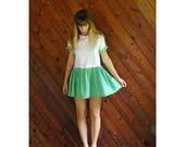 25% off Flash Sale . . . White and Green Gingham Mini Dress - Vtg 90s - MEDIUM Petite