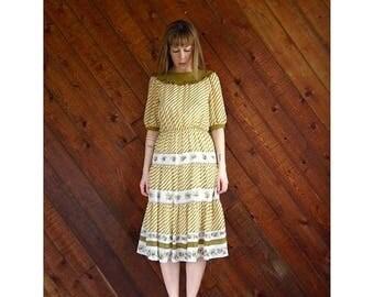 25% off Flash Sale . . . Floral Chevron Striped Tiered Midi Dress - Vintage 70s - SMALL