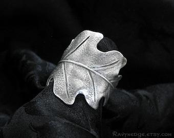 Druid's Treasure - Silver Oak Leaf Ring, Adjustable Ring, Nature Jewelry, Boho Jewelry, Oak Leaf Jewelry, Bohemian Jewelry, Leaf Band Ring