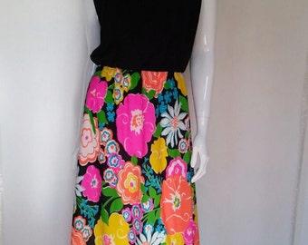 Vintage 70's Floral Dress size Large- STUNNING