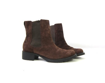 Brown Suede Leather Boots Ankle Booties Pippi 90s Grunge Side Panel Pull On Boots Chelsea Boots Hipster Preppy Boots Vintage Women's size 8