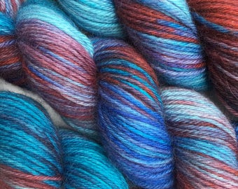 WORSTED WEIGHT Yarn - Hand Dyed Merino Wool in Hawthorne Colourway