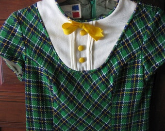 1970's Girl's Dress Green Plaid Poly Knit Zip Back Cap Sleeves White Bib Bodice Yellow Bow & Buttons Petit Leigue Label School Girl's SZ 12