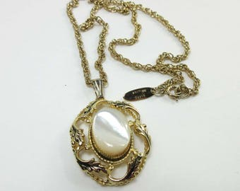 Vintage Whiting & Davis Signed Necklace MOP Mother of Pearl Gold 9162
