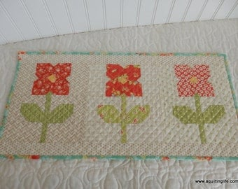 Flowers in a Row Mini Quilt Paper Pattern