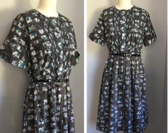 Vintage 1950's Rockabilly Pin Up Cotton Batik Novelty Print Dress Medium Large