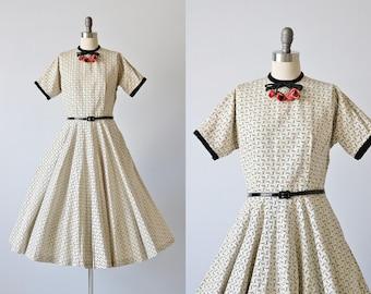 Vintage 1950s  Dress / 50s Novelty  Dress / Full Skirt / Kisses from Heaven