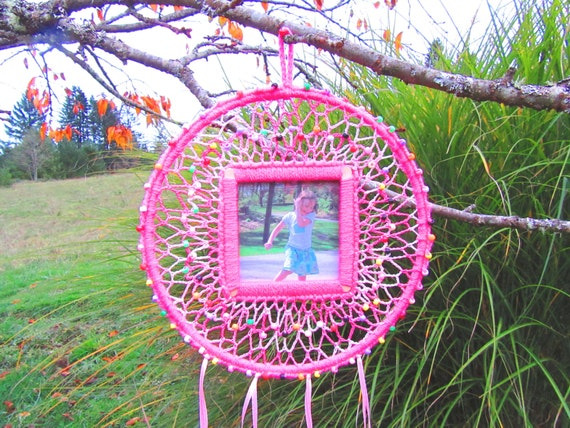 Child's Dream Catcher. Girls, pink, beads, picture, glow in the dark, unique, gift, ribbons, colorful, fun, children.