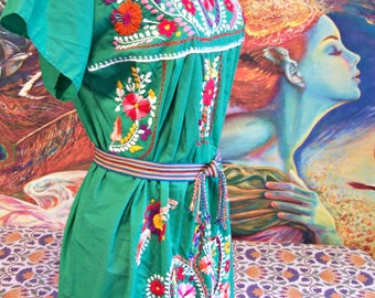 Mexican Dress, Embroidered Mexican, Green Mexican dress, Cinco de Mayo,  Frida Kahlo, size