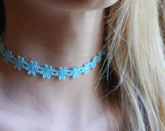 Vintage Inspired Bright Turquoise Floral Embroidered Choker Necklace- 1970s daisies floral print necklace.