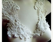 BF SALE Lace Applique Pair in Ivory Cream Venice Lace for Bridal, Costume Design PR 101