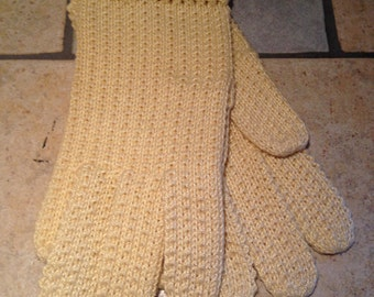 Creamy Yellow Knitted Day Gloves of Textured Cotton