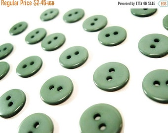 ON SALE Apple green plastic button - set of 24 small buttons
