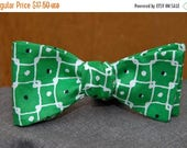 FathersDaySale Connected Blocks and Dots on Green  Bow Tie