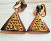 SALE 75%OFF Vintage Wood Pyramid Shaped dangle Clip On Earrings