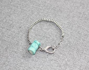 bijou, bracelet chaine, bracelet inox, chaine boite, chaine carré, corail, turquoise, ajustable, bracelet ajustable, minimaliste, quebec