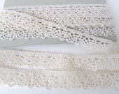 Vintage Trim Cluny Lace Ivory Off White Cotton 15/16 inch rib0259 (1 yard)