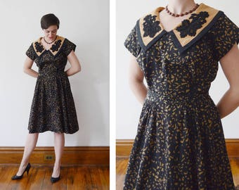 1950s Jon Michaels Black And Brown Patterned Dress with Appliquéd Collar - M/L