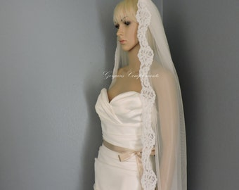 Alencon Lace Trim Mantilla Diamond White Off White