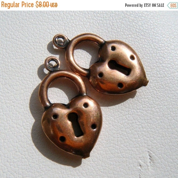 40% OFF SALE 12 Heart Locket Charms by Trinity Brass in Antiqued Copper F761-Ac