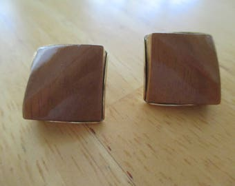 Vintage costume jewelry  brown thermoset clip on earrings