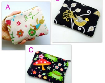 BIG SALE - Small zipper pouch / coin purse /ear phone bag/ card holder (padded) (GP10)