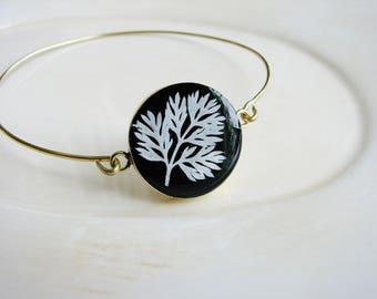 White Fern Bracelet, Pressed Flower Bangle Bracelet, Stackable Bracelet, Stacking Boho Statement Bracelet, Nature Jewelry, Resin Jewelry