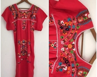 ON SALE 70s Mexican Dress, Red, Mexican Dress, Oaxacan Embroidery, Peasant Dress, Hippie Boho Dress, Cotton BOHO Dress, South American, Ethn
