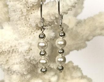 Fredjwster pearl drop earrings