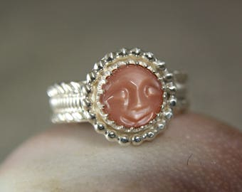 Moon Face Peach Moonstone Ring, Sterling Silver Moonstone Ring, Bohemian Style Jewelry, Hippie Ring
