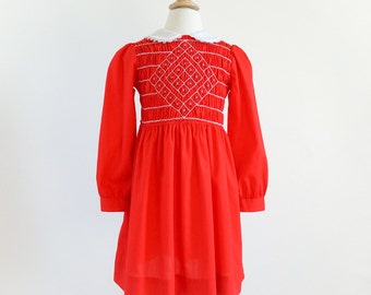 Vintage 1970s Girls Size 6 Dress / 70s Polly Flinders Hand Smocked One Piece Dress VGC