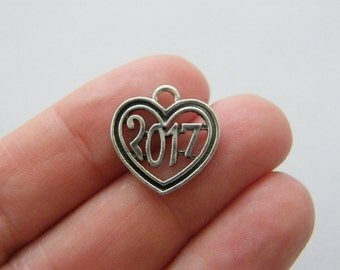 4 2017 Heart charms antique silver tone PT72