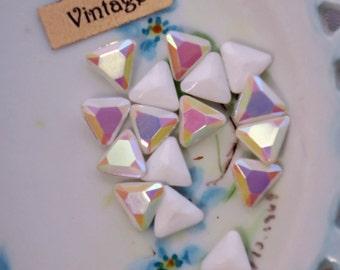 Vintage AB rhinestones Glass Lot Aurora White Triangle CZECH Faceted NOS Cabochons wedding white (1040E)