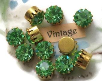 Vintage Swarovski Rhinestones Peridot Prong Pronged Setting Lot Beautiful 8mm Gold Plated High Set Princess. #712E