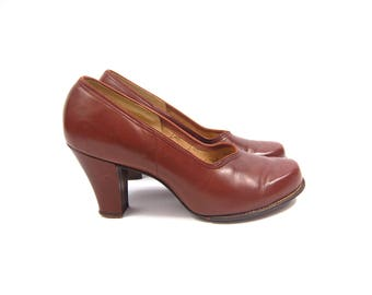 Early 1950s Brown Baby Doll Pumps sz 7B - Chunky Heel Squared Toe // 50s Medium Brown Leather Heels - Fashion Stride Lastex