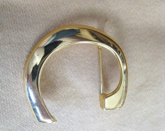 Anne Klein C pin gold tone letter C initial C shaped pin by AK