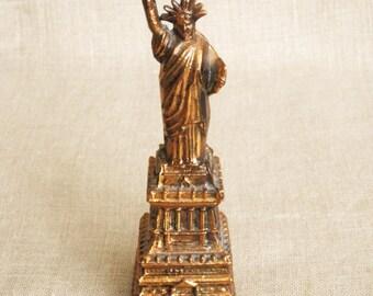 Statue of Liberty, Miniature, Cast Metal, Souvenir, Small Statue, Souvenir Statue, NYC, Landmark, Historical, Female Figure, Female Portrait