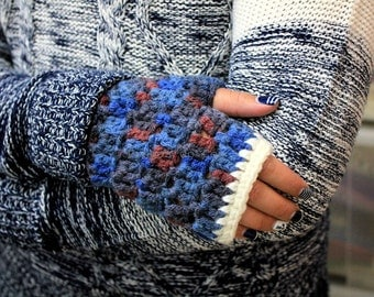 Stylish Gloves - Fingerless Gloves - Christmas Gift - Winter Fashion - 100% Handmade by T. Catana. Ready to Ship!