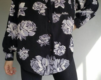 Vintage 1993 Rose Print COMFY Slouchy Fit Button Up (s-m)