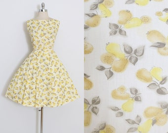 Vintage 50s Dress | 1950s pear novelty print cottn | sun dress | xl 2xl | 5921