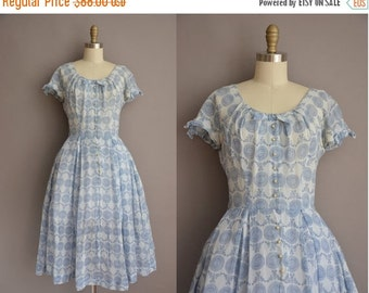25% off SHOP SALE... 50s blue floral cotton print vintage dress / vintage 1950s dress