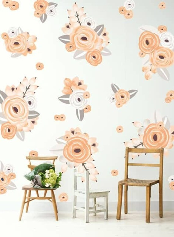 Half Order Graphic Flower Clusters in Peach