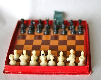 """Vintage Soviet Chess - Magnetic Travel Mini Set - Plastic - 4.8"""" inch board - 1962 - from Russia / Soviet Union / USSR"""