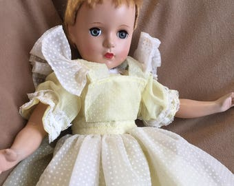 Vintage 40's Doll, Pretty Little Girl Doll with Blinking Eyes, Movable Joints, 1940's 1950's Collectible Doll, Baby Doll Toy