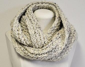 Knit Acrylic/Wool/Rayon Infinity scarf