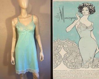 She'll Shock Them All - Vintage Late 1950s Vasserette Aqua Blue Robins Egg Blue Tiffany Blue Full Slip