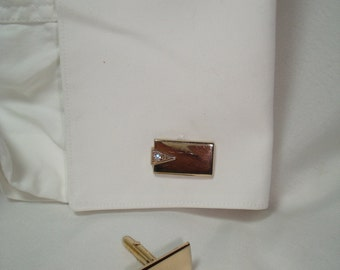1960s Gold Tone SWANK Cufflinks with  Faux Diamond.
