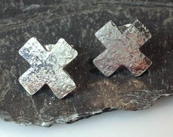silver cross stud earrings, kiss earrings x